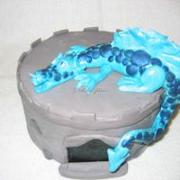 Dragon! Styrofoam dummy with fondant dragon, painted with luster dust. Thanks for looking!