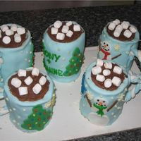 Small Hot Chocolate Mugs I cut ten circles from a 1/4 sheet cake then stacked them 2 high to make these 5 mugs. They are a pain to ice, but once they are covered in...