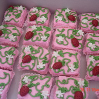 Strawberry Shortcake Mini Cakes
