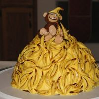 Monkey And Bananas I had to try this cake after seeing several here on Cake Central! It was so much fun and a lot easiaer than I thought. It was my first time...
