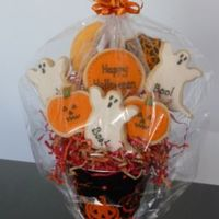 Halloween Bouquet NFSC covered with fondant and outlined with RI.