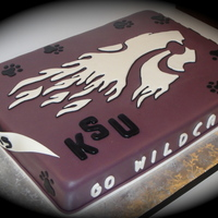 Powercat Groom's Cake Made for a friend's husband, a big K State fan...yuk! Go Hawks!
