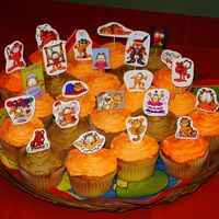 Garfield Cupcakes I love making cupcakes!! For these, I printed off different pictures of Garfield off the internet on to photo paper, cut them out and taped...