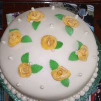 Yellow Roses A Cake I did for a friend's grandma, she liked yellow roses. Roses & leaves are gumpaste, everything else fondant