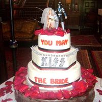 Kiss Wedding Cake