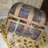 Scuba Diving Groom This groom scuba dives as a hobby and knew right away that he wanted a treasure chest for his grooms cake. He even sent me pictures of...