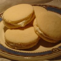 Lemon Sandwich Cookies