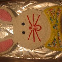 Easter Bunny Cake Two basic circle sized pans were used to create this cute bunny!