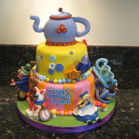 Alice In Wonderland I would like to thank Dustybrooke1 for the inspiration and the ideas for this great cake! Strawberry wasc with strawberry fruit filling and...