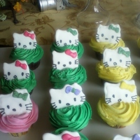 Hello Kitty Cupcakes Kitty's made out of royal icing.