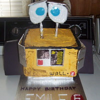 Wall-E Cake I made this for my daughter's birthday. She was a huge Wall-E fan at the time lol.