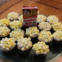Popcorn Cupcakes Take me out to the ballgame... Baseball party cupcakes