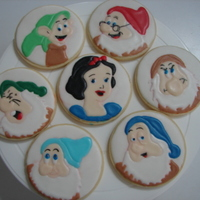 Snow White And Six Of The Dwarfs I had some leftover cookies and always have wanted to try these. Unfortunately Happy was a casualty in putting on the final touches so He&#...