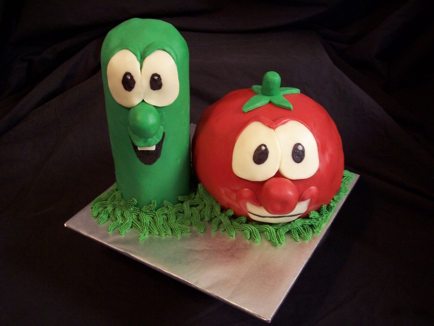 Veggie Tales Bob And Larry This cake was for a childs birthday party. Larry and Bob are both made of white cake with fruit/whip filling and modeling chocolate...
