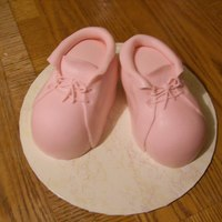 Baby Booties   Vanilla cake with MMF.