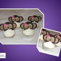 Monkey Cupcakes This was created out of fondant. I got the orginal idea off of a design by Vanilla Cocoa. Thank you so much for the wonderful idea!
