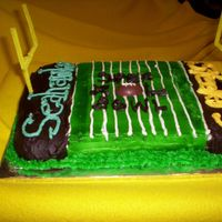 Super Bowl Xl Football Field Cake My boyfriend and I made this in a dorm kitchen at college the day before the Super Bowl on a whim, so it's not my best work. I used...