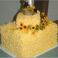 Haystack   Country themed wedding. Bride wanted cake to look like a haystack.