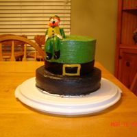 St. Pattys Day O.k let me start off by saying Im still an amateur at cake decorating. So a lot of my ideas come from the wonderful people on this web site...