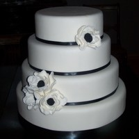 Black & White Wedding Display cake I made for a bridal show