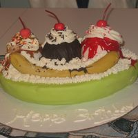 Banana Split strawberry cake the rest all fondant