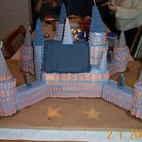 Dcp01737.jpg Alternate view of my Hogwarts cake. I have more photos but will have to scan them first.