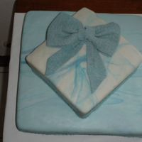 Cake In Blue An easy cake, it looks good for any occasion