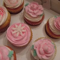 Cupcakes! white chocolate and strawberry cupcakes with bc icing for bday party....went with smash cake