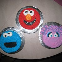 Sesame Street Smash Cakes   I MADE THESE FOR MY TRIPLET NEPHEWS AND NIECE'S 1ST BIRTHDAY.