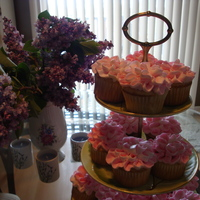 Blossoms Made these cupcakes for mother's day.