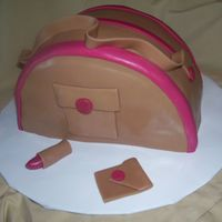Purse Cake a feeble attemt at a purse. lol. Will deffinately try again