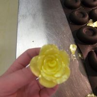 Pulled Sugar Rose i wasnt sure which album to put this in. it is my very first time working with pulled and blown sugar. and my first rose! i made this at...