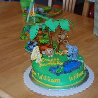 Jungle Cake For my son's 4th birthday. My first attempt at making gumpaste figures.