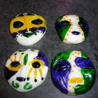 Mardi Gras Masks made these for a cake i made for the local fair with a mardi gras parade