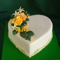 Heart Shapped Cake flowers are sugarpaste flowers with dusting colors.Thanks for looking.