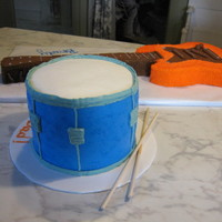 Guitar And Drum this was made for a father/son birthday. all buttercream with fondant accents. tfl