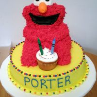 Elmo B-Day Elmo was made from the stand up bear pan. All BC.
