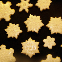 Snowflake Cookies I saw this cookie cutter/texture mat set on GSA and thought the cookies were so beautiful that I just had to have it! These are NFSC and...