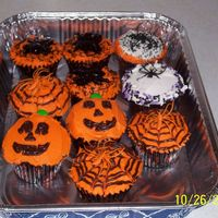 Fun Halloween Cupcakes Halloween cupcakes for my daughter's party