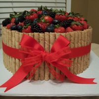 """basket Of Berries"" Cake"