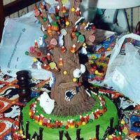 Haunted Tree I made this haunted tree for a friend's birthday.
