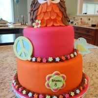 Owl Hippie Chick Birthday Cake Thanks to Skmaestas and Aptarpley for the inspiration! Owl is made of RKT covered in fondant. Gumpaste decoartions, fondant covered....
