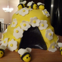 Fondant Beehive Cake My version of the beehive cake . CherylJ's beehive cake was my inspiration. Thanks for looking - it was alot of fun.