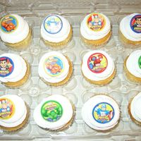 Spiderman Cupcakes   Simple Spiderman Cupcakes to go with cake