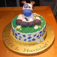 Cow Cake Up For Bids First, Thank you Lambshack for the inspiration for this cake. Mine is much smaller but I think your wow-factor is still there. My neice is...