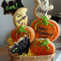 1St Cookie Bouquet I made this for my dad, whose Bday is Nov 1. It's the first thing I've decorated for him since I got started in it again, since...