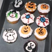 Halloween Cupcakes More Halloween cupcakes by Mommy and daughter