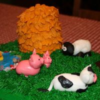 On The Farm Close up of fondant farm animals