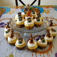 Scooby Doo Cupcakes My son wanted cupcakes instead of a cake for his 4th birthday - super easy and everyone liked them! He got the one with the large Scooby...