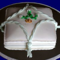 Ring Pillow Weddingcake Netherlands This is my first wedding cake. I made it for my brothers wedding on 06-06-06Its made from spongecake with vanillapuddinbuttercream and...